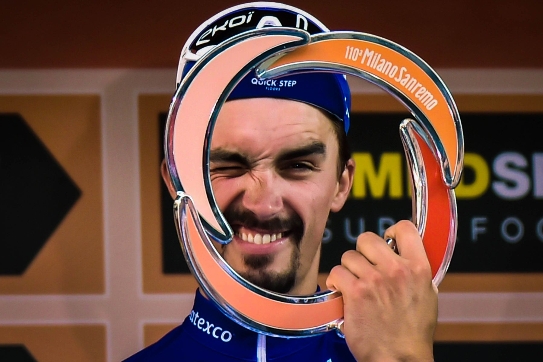 Julian Alaphilippe Victoire Monument Milan - SanRemo - Classical Bicycles