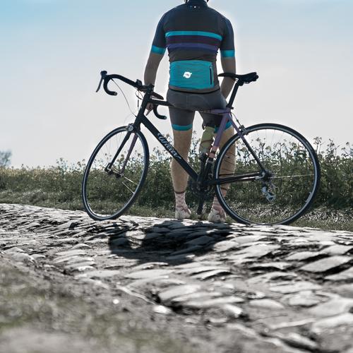 Shooting Moulin de vertain Instagram - Champion de lunivers - Classical Bicycles
